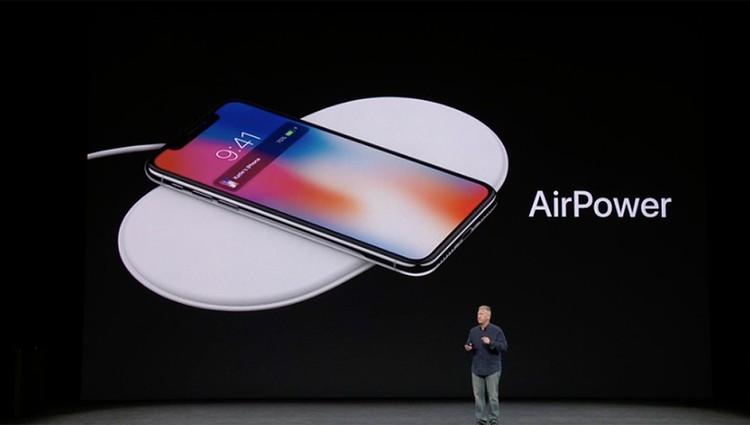 У нового айфона предусмотрена опция беспроводной зарядки