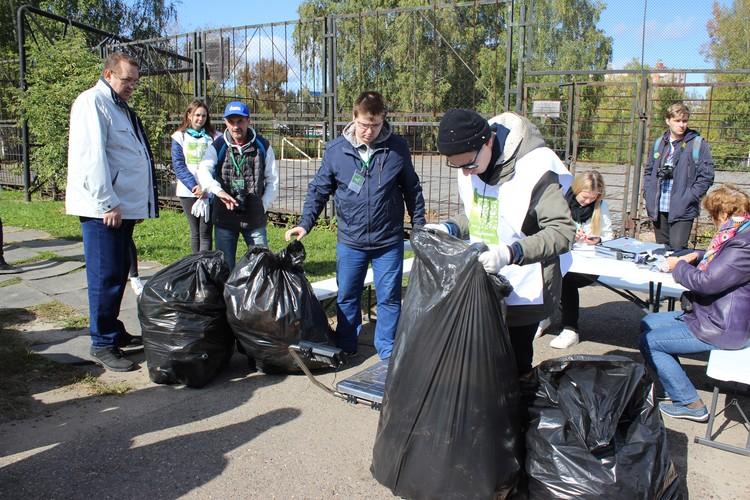 За отходы, собранные раздельно, участники соревнований получали 50 баллов за каждый килограмм, за нерассортированный мусор — по 20 баллов.