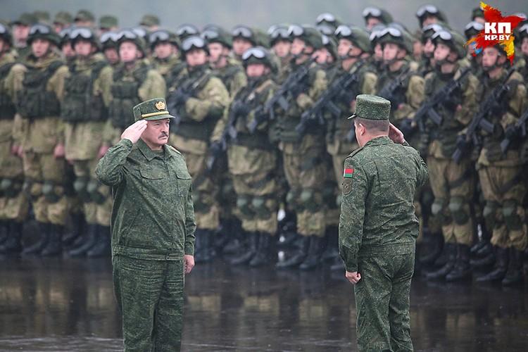 Александр Лукашенко на совместных белорусско-российских учениях «Запад-2017» «Запад-2017».
