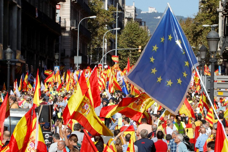 Демонстрация в поддержку единства Испании.