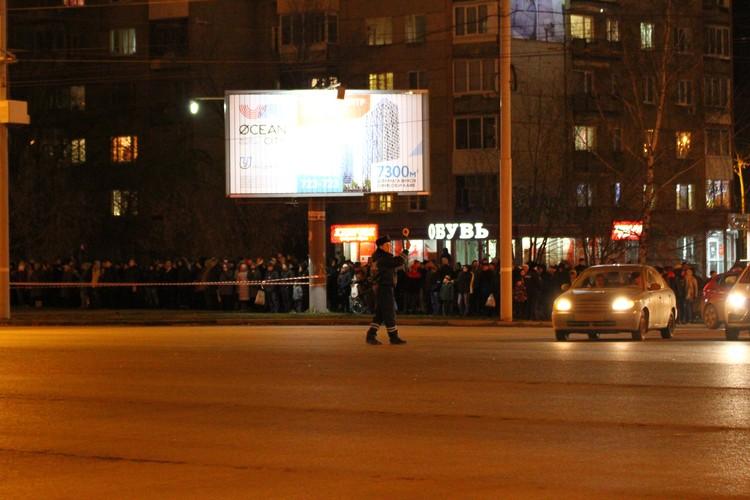В настоящий момент улица Удмуртская перекрыта Фото: Дмитрий Селезнев