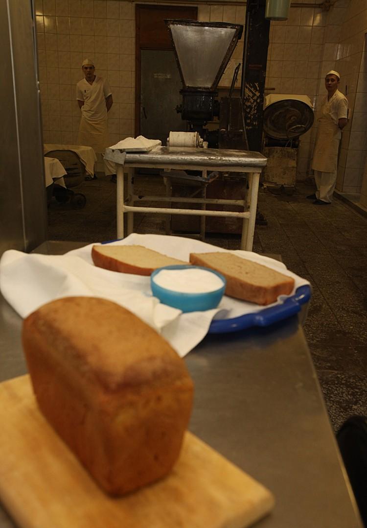 Норма хлеба на каждого зека – не пятьсот пятьдесят граммов, как у Солженицына, а семьсот пятьдесят