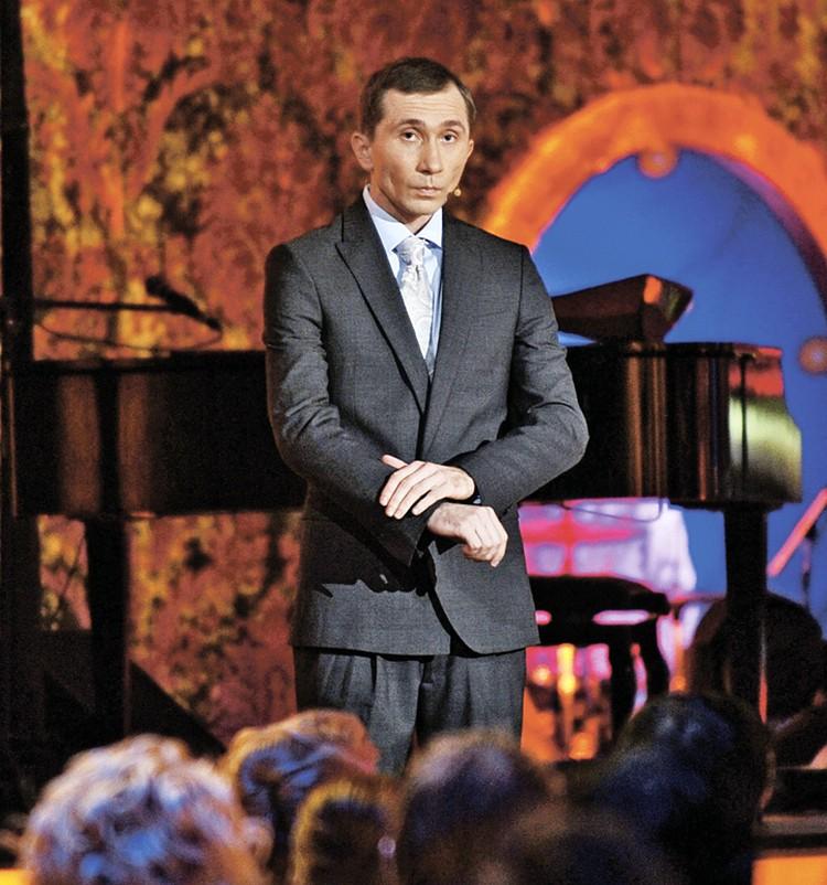 Фаворит новогодних огоньков в этом году - Дмитрий Грачев, двойник Путина.