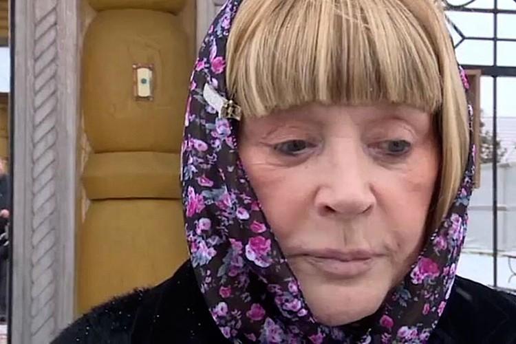 Алла Пугачева рассказала журналистом, что решила обвенчаться с мужем ради детей. Фото: Телеканал НТВ