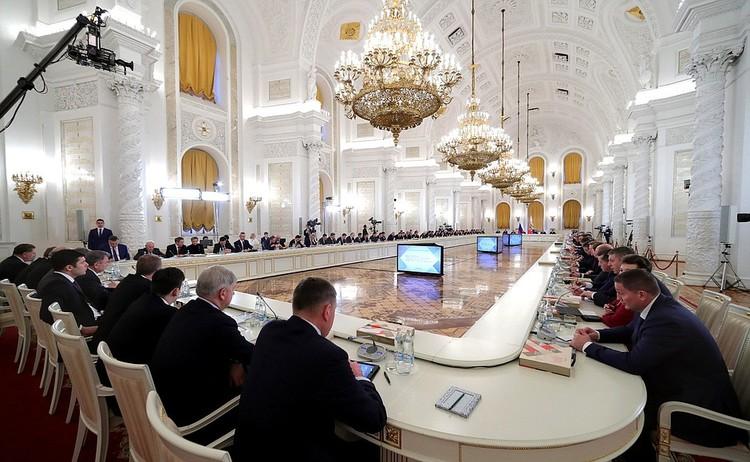 Заседание Государственного совета по вопросам повышения инвестиционной привлекательности регионов. Фото: пресс-служба Кремля