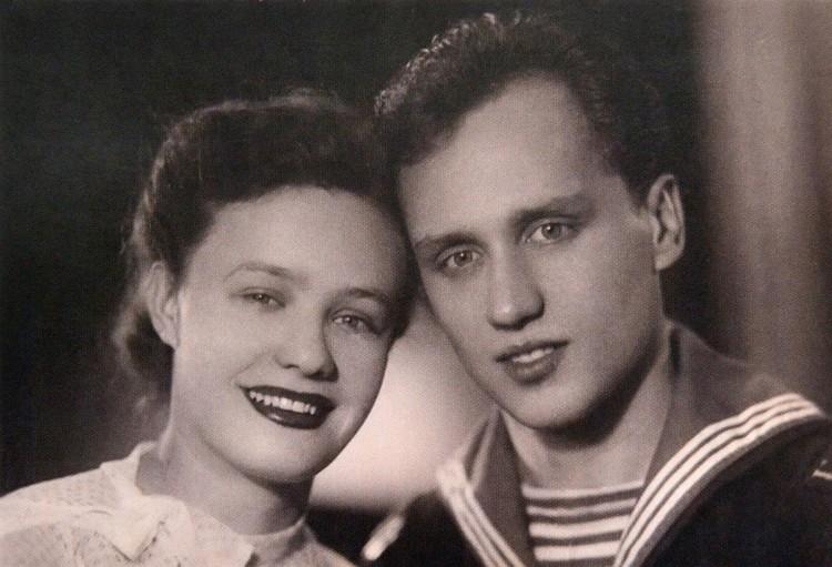 Владимир и Лидия полюбили друг друга совсем юными: Мулявину только исполнилось восемнадцать, Кармальская была на три года старше. Фото: личный архив