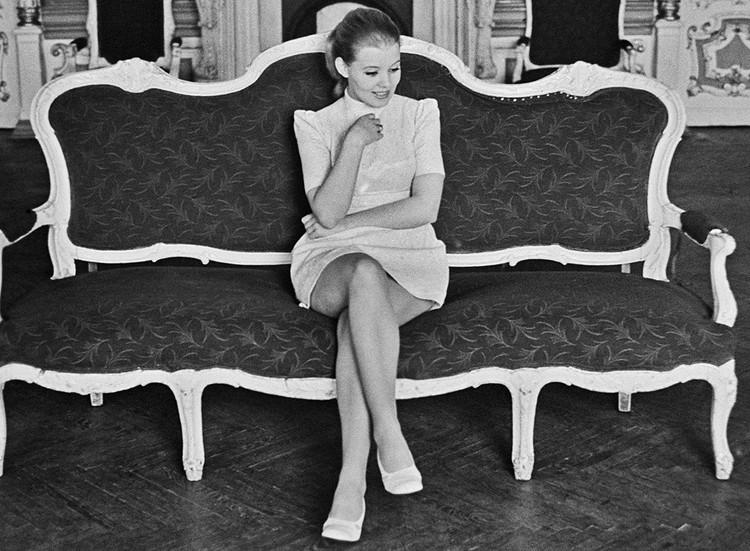Певица Людмила Сенчина - солистка Театра музыкальной комедии в Ленинграде, 1974 год. Фото Юрия Белинского /Фотохроника ТАСС/