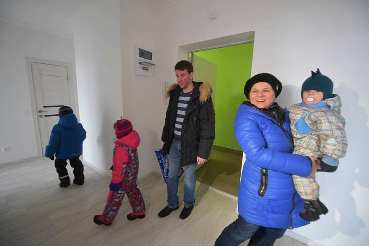 Семье Родионовых нравится ремонт в новой квартире
