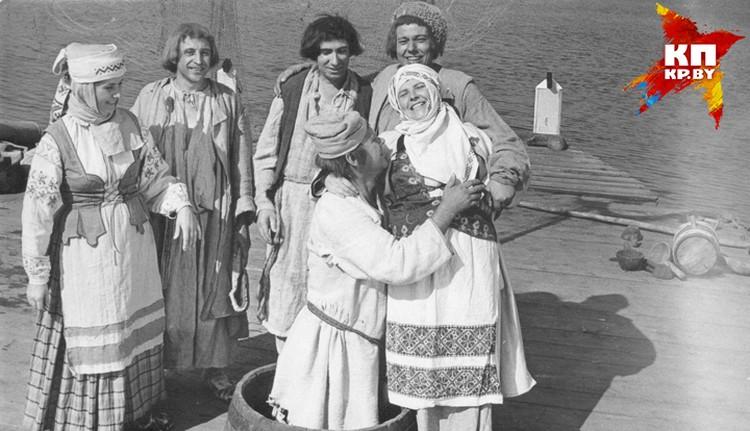 А тут Владимир Семенович в роли крестьянина. Узнаете классика? Фото: архив семьи Владимира Короткевича