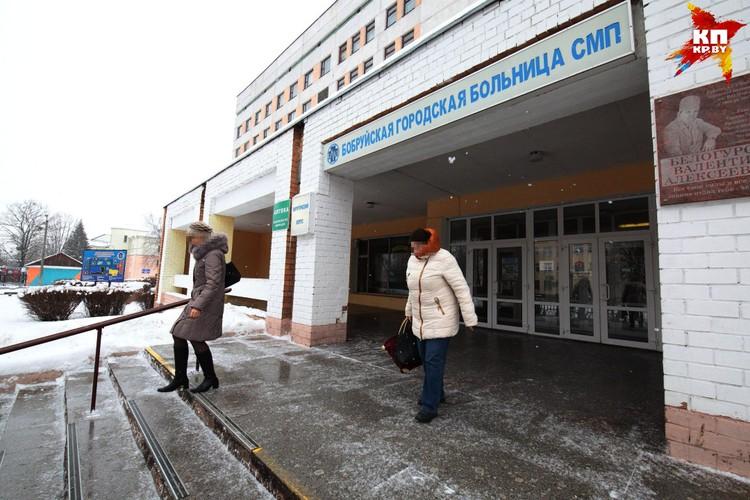 В этой больнице работала мама Насти. Женщина была офтальмологом.