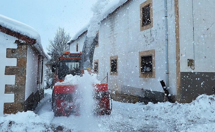 В Пиренеях выпало до 35 сантиметров снега