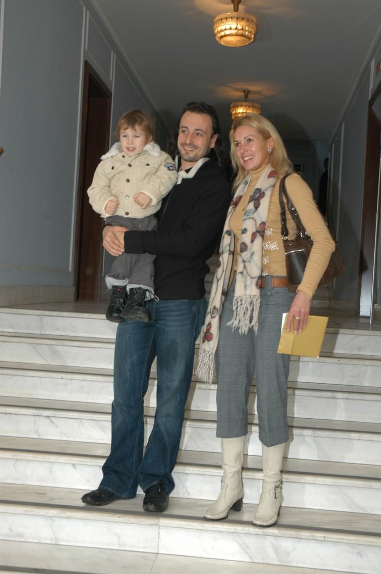 С 1992 года спортсменка каталась в паре с Ильей Авербухом, за которого она вышла замуж в 1995 году.