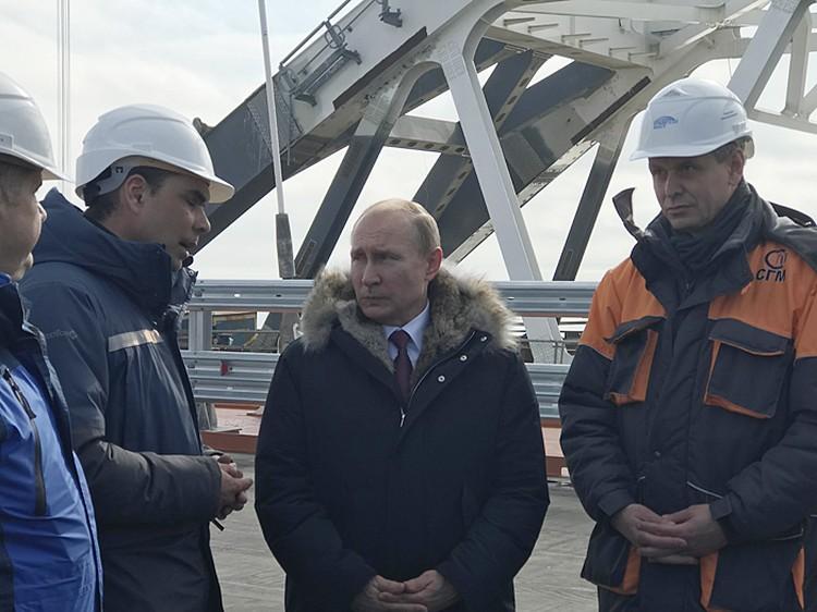 Президент проинспектировал новые «ворота в Крым»