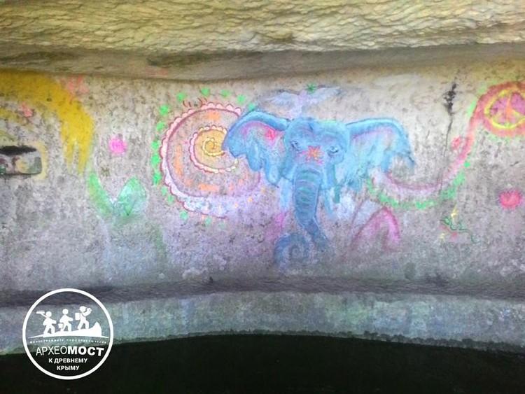 """Некоторые против: Оставьте нашего слоника! Фото: проект """"АрхеоМост"""""""