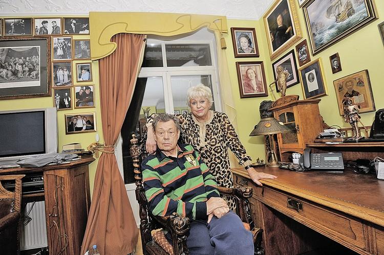 Супруга Караченцова Людмила Поргина уверяет, что откровения танцовщицы их семейную пару рассмешили, а не рассорили.