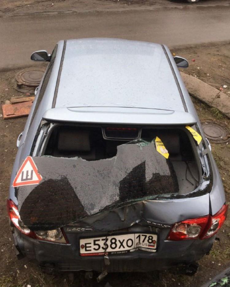 Больше всего не повезло владельцу этой машины.