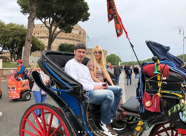 Лера и Игорь много путешествуют, несколько дней назад пара отдыхала в Риме