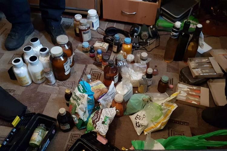 Вот что нашли в квартире у предполагаемого организатора группировки