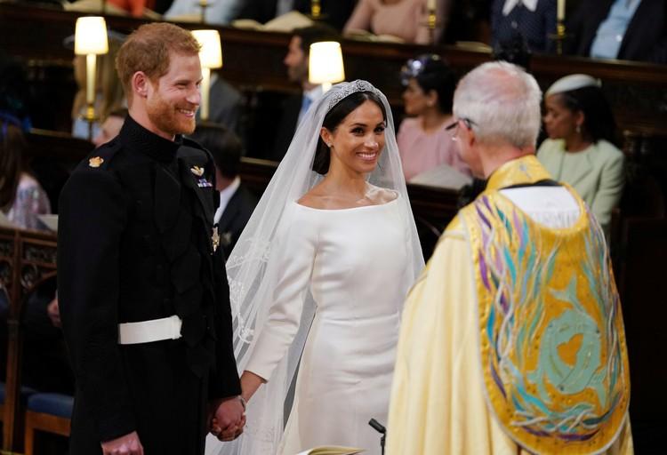 Жених и невеста не скрывали своего счастья