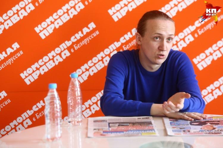 По мнению Сергея Дубелевича, на школьном уровне физику и математику способен решать любой человек.