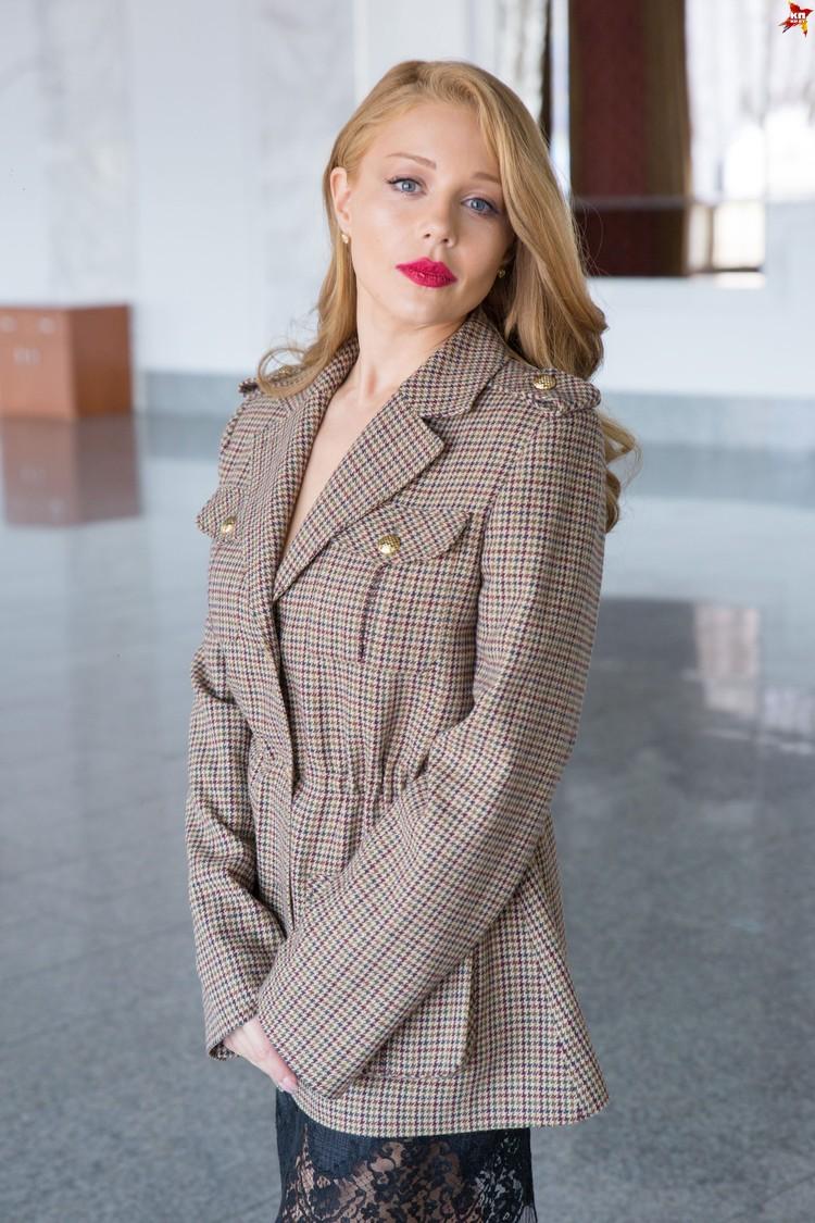 Перед саундчеком певица пообщалась с «Комсомолкой».