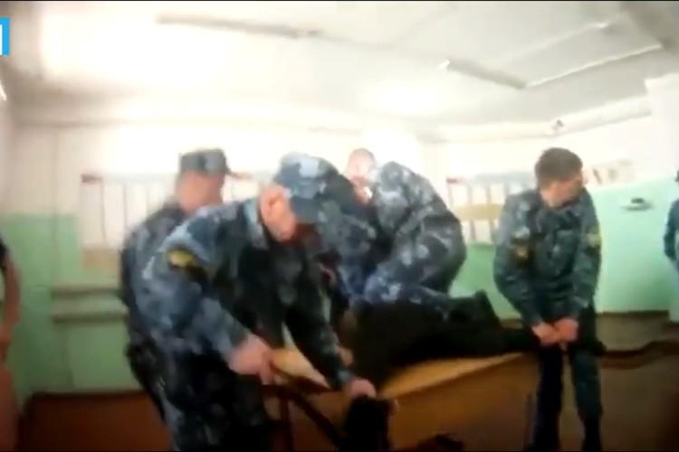 Макарова избивали толпой