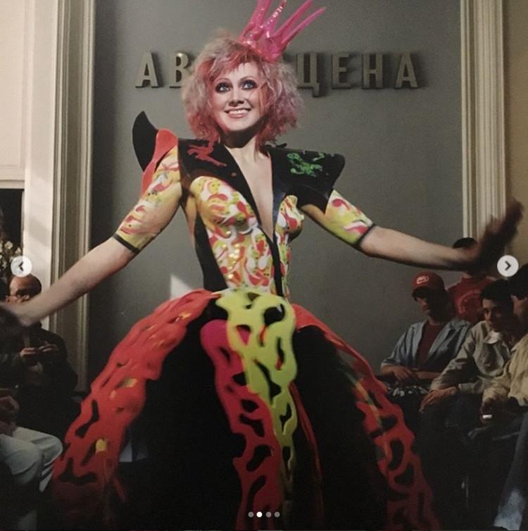 На съемках клипа «Всё, что мне надо» певица смело позировала полуобнаженной. Фото: Инстаграм.