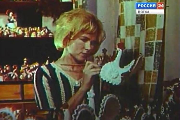 Дымковские мастерицы рассказали об игрушке на весь мир. Фото: gtrk-vyatka.ru