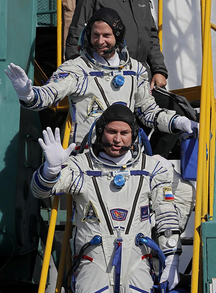 Космонавт Роскосмоса Алексей Овчинин и астронавта NASA Ник Хейг
