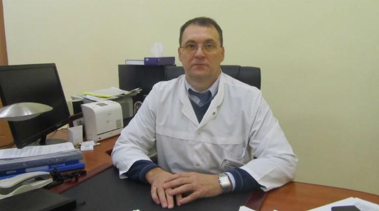 Сергей Шамсутдинов уверен - обе ноги пожилой женщины спасти уже нельзя.