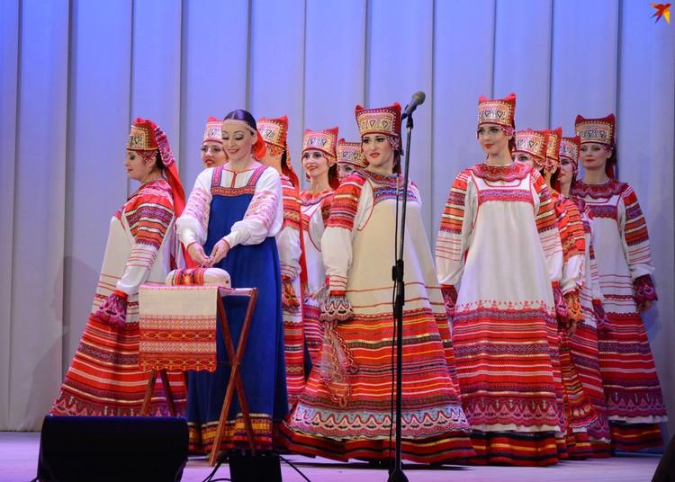 Танец, посвященный плетению Михайловского кружева, был таким же воздушным и нежным
