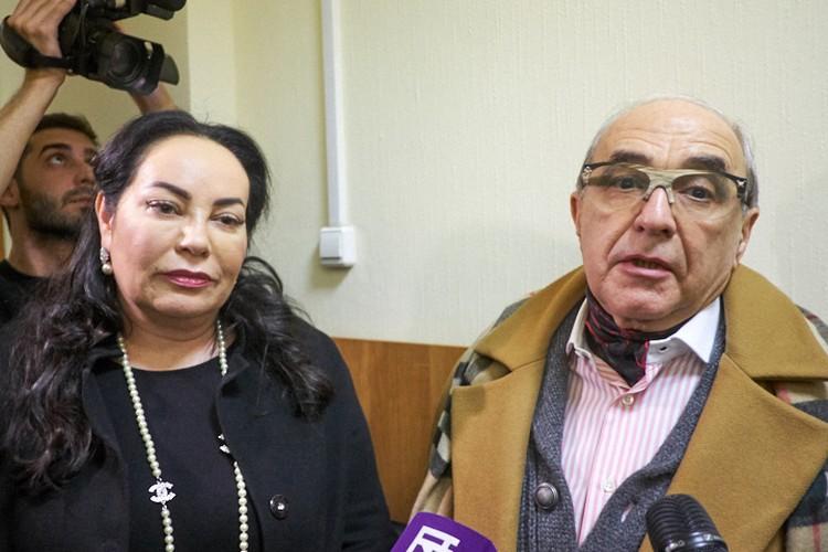 Стукалова в суде защищает Кержакова, адвокат Добровинский - Милану Тюльпанову.