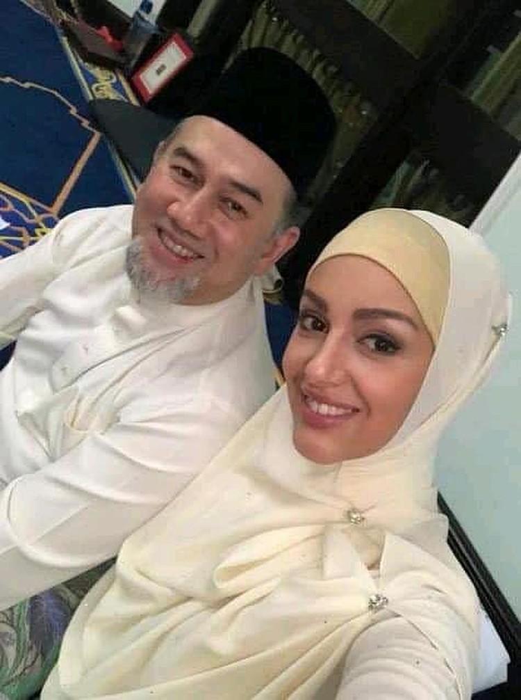 Король Малайзии Султан Муххамед V и его русская супруга.