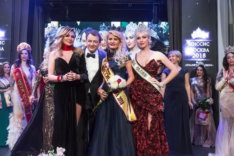За право носить титул «Миссис Москва-2018» соревновались 14 участниц. Фото предоставлено организаторами конкурса