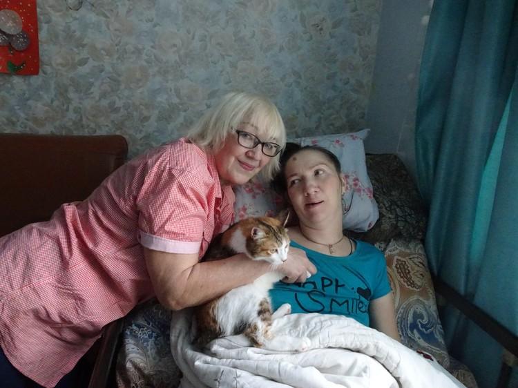 За Ириной Банниковой уже 9 лет ухаживает мама.