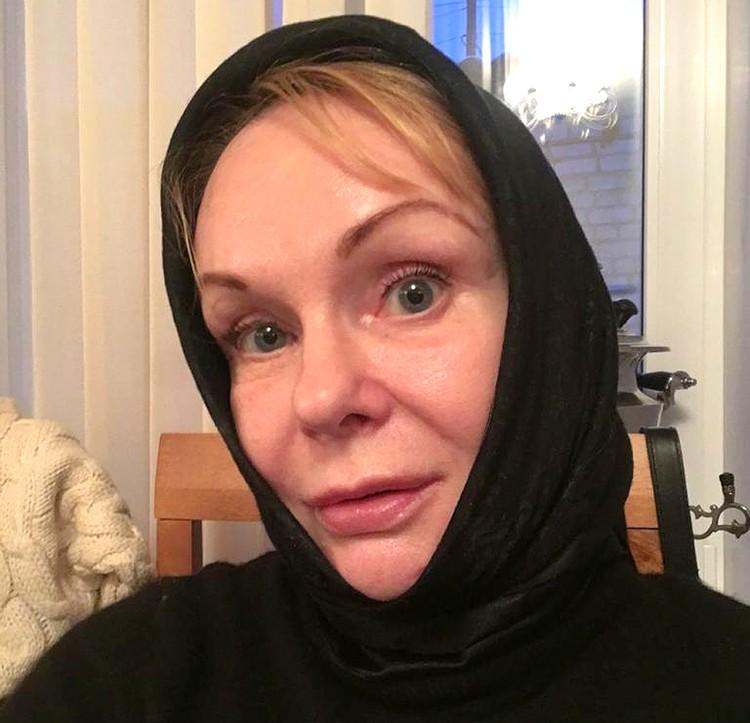 Актриса всерьез задумалась о завершении профессиональной деятельности и уходе в монастырь.