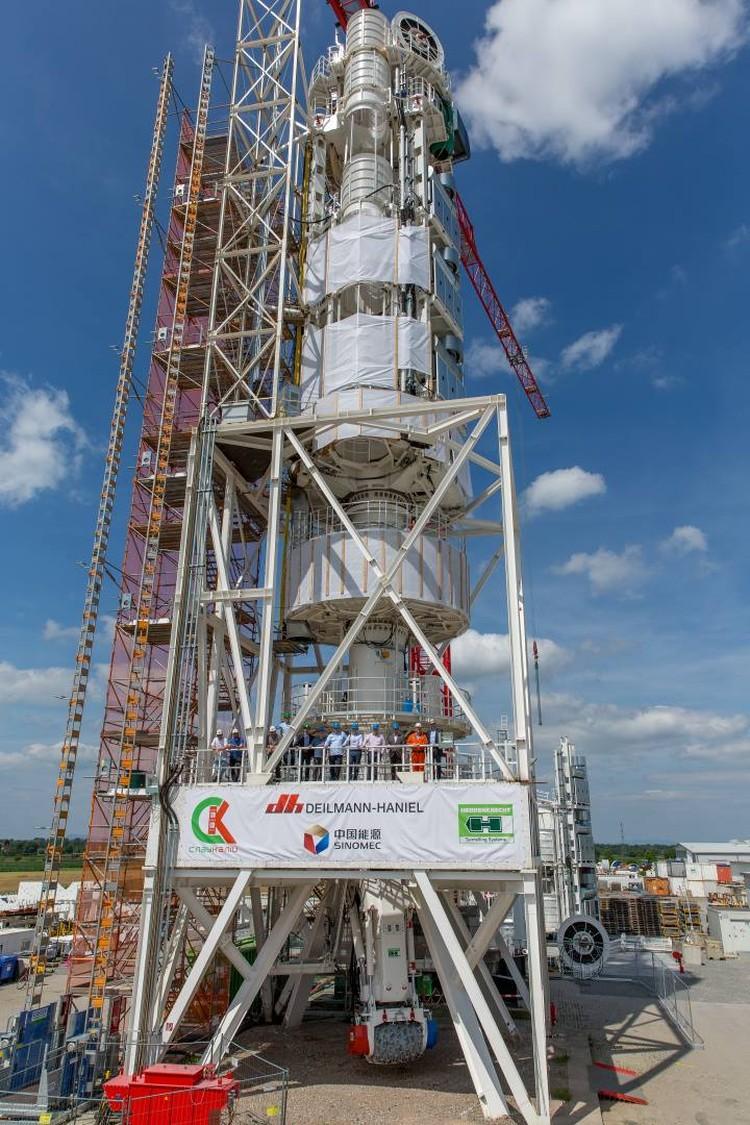 Комплекс весит 400 тонн, а высота в собранном виде – 52 метра. Фото: Herrenknecht.