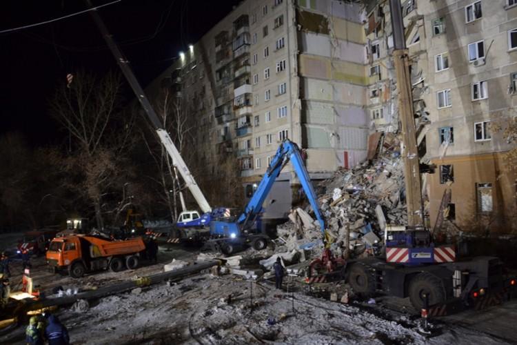 Работали продолжались всю новогоднюю ночь. Фото: ГУ МЧС РФ по Челябинской области
