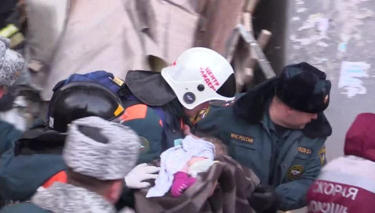 Десятимесячного Ваню достали из-под завалов, когда надежды уже не оставалось.