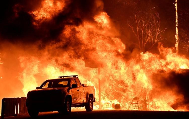 12 лет из года в год возрастает неустойчивость планетарного климата. Это выражается, например, во всё более мощных пожарах в Калифорнии