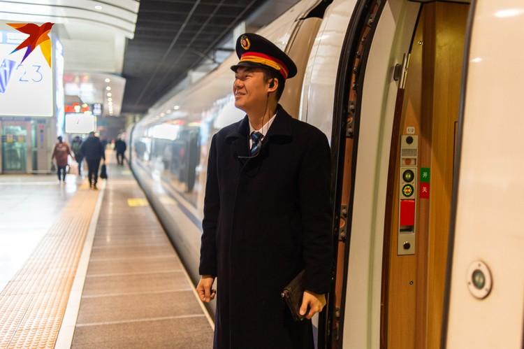 Журналисты «Комсомольской правды» Владимир Ворсобин и Виктор Гусейнов отправились в Китай