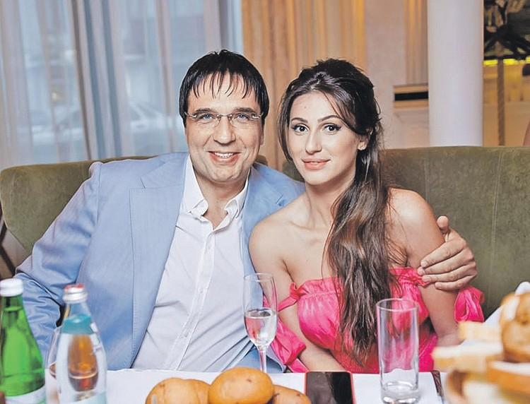 Сергей Коваленко с новой супругой Сюзанной. На ней он женился два года назад. Фото: facebook.com