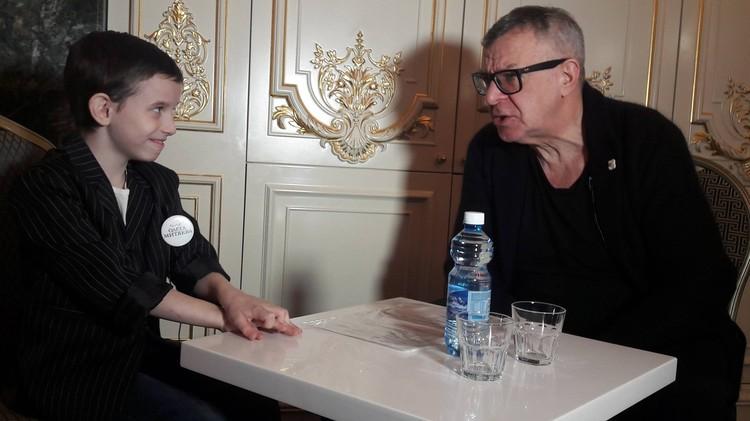 Андрей Ургант дал интервью юному челябинскому журналисту.
