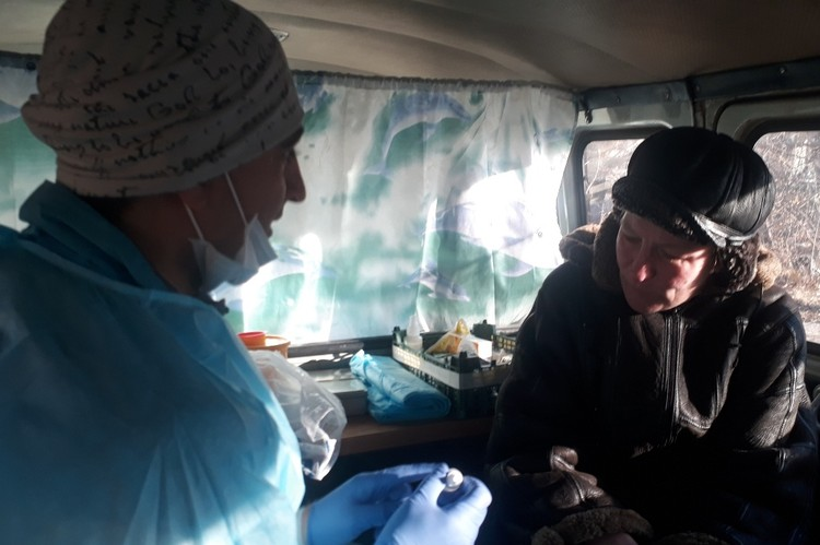 Елена на приеме у Доктора Жени. Фото: проект «Другая медицина».