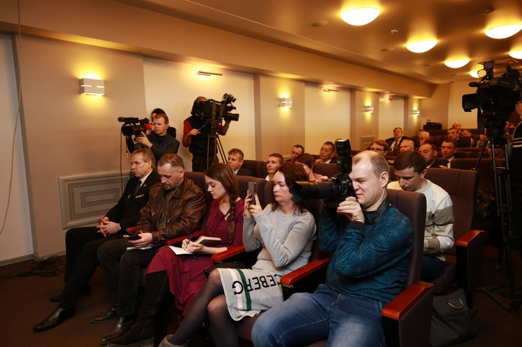 Пресс-конференция дальневосточных рыбаков вызвала повышенный интерес во Владивостоке. Фото: Вадим ПОПОВ