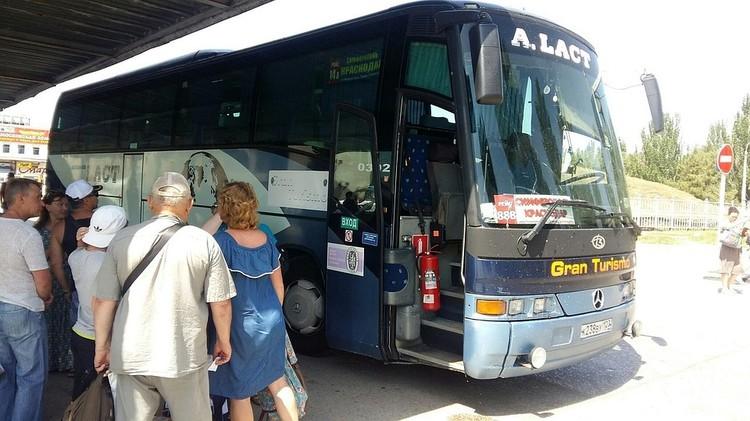 Стоимость билетов на автобусы от 380 до 820 рублей в зависимости от направления.