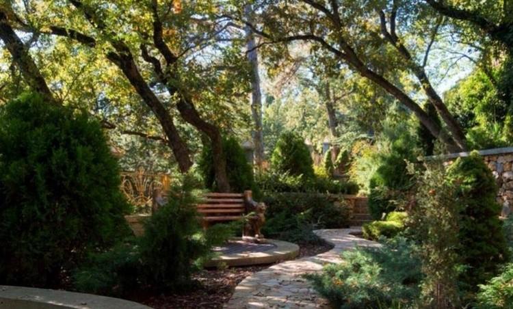 """Будущие собственники дворца смогут гулятьпо парку величиной в 100 гектаров. Фото: """"ЦИАН"""""""