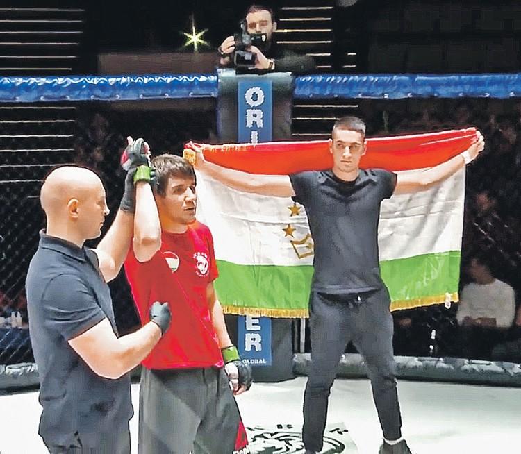 Среднеазиатские промоутеры регулярно устраивают в Москве турниры «для своих», снимая под бои залы на 1 - 2 тысячи мест. Фото: youtube.com