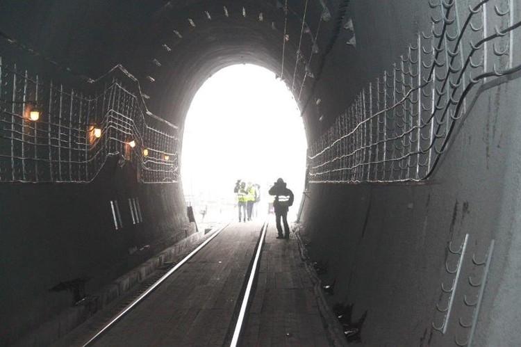Тоннель имени Сталина построили в 1935 году и до 2016 года там не было капитального ремонта. Фото: РЖД