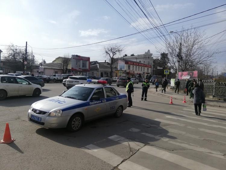 В городе работают эвакуаторы и патрули ГИБДД,